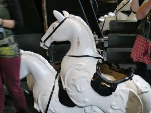 """Die """"Pferdchen"""" für die Lippizaner-Parade der Regierungsvertreter mit Erzherzogin Sophie"""